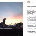Sul palco! (Foto Instagram)
