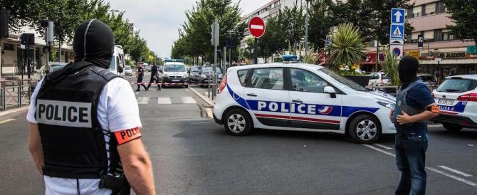 Una agente di Nizza: ci hanno chiesto di modificare i verbali sulla strage