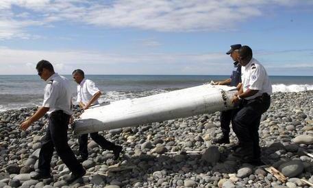 Il pilota dell'aereo malese scomparso nel nulla aveva simulato il volo suicida