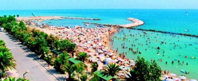 Effetto-Nizza vicino Teramo: turista in auto procede a zigzag, panico in strada