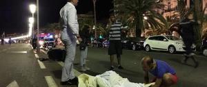 Nizza: attentato in perfetto stile jihadista. Il killer è arrivato in bici