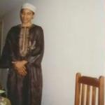 Secondo Foxnews, queste foto di Obama in abito tradizionale musulmano sarebbero state scattate ad un matrimonio. (Foto Instagram, Fox News)
