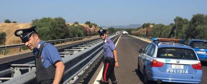 Gareggiavano in auto, muore una donna: 2 arresti per omicidio stradale