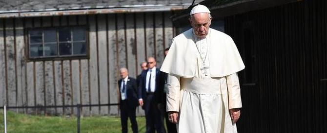 Il grido del Papa ad Auschwitz: «Signore, perdona tanta crudeltà»