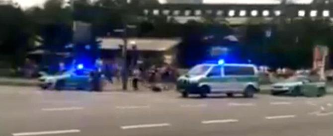 Monaco, sparatoria in un centro commerciale: «Diverse persone morte»