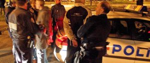Parigi, seconda notte di violenza nelle banlieue: tutto riporta alla rivolta del 2005