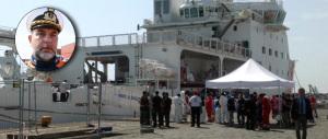 Salvataggio di migranti, il capitano: «I miei uomini ieri hanno rischiato la vita» (VIDEO)