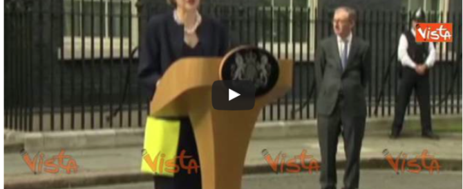 Theresa May imbarca nel governo due altri pro-Brexit (video)