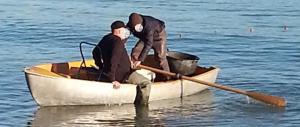 Vigile di Pescara timbrava il cartellino, poi andava a pesca e al videopoker