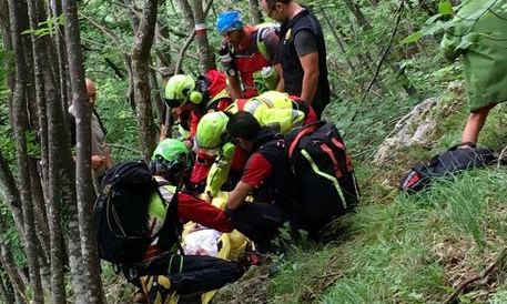 Trento, due tredicenni in quota per fare foto cadono in un dirupo e muoino