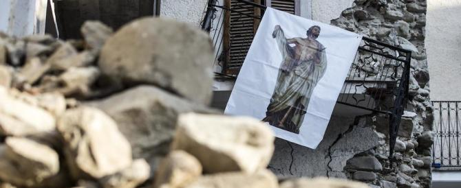 Il sindaco di Accumoli: «Vi prego, non fate polemiche sul campanile crollato»