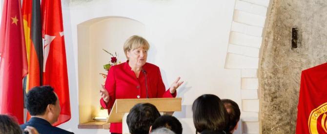 Profughi, Angela Merkel corre ai ripari: «La Germania resterà la Germania»