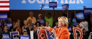 «Chi vota Trump è un miserabile»: Hillary insulta milioni di americani