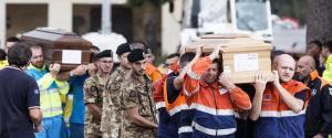 Le immagini dell'addio alle vittime del sisma 3