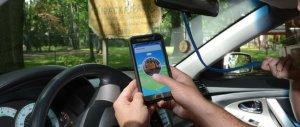 Mentre guidava andava a caccia di Pokemon: multato cinese a Milano