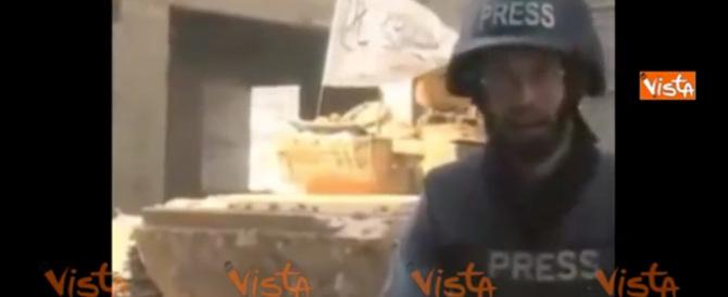 Siria, ad Aleppo un palazzo esplode mentre il reporter era in onda (video)
