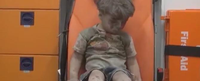 Morto il fratellino del piccolo Omran. De Mistura: Aleppo è stremata