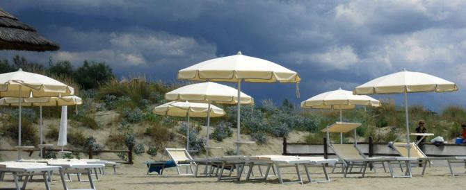 """Previsioni meteo """"nere"""" per il weekend: sono in arrivo forti temporali"""