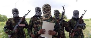 Autobomba e attacco terroristico in un ristorante: 7 morti a Mogadiscio