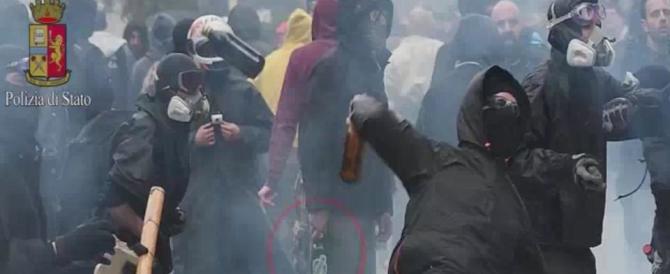 Torino, aggredirono agenti per difendere pusher nigeriani: arrestati 5 anarchici
