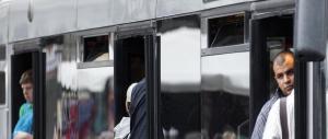 A Roma gli autobus sono un incubo: altro straniero arrestato per molestie