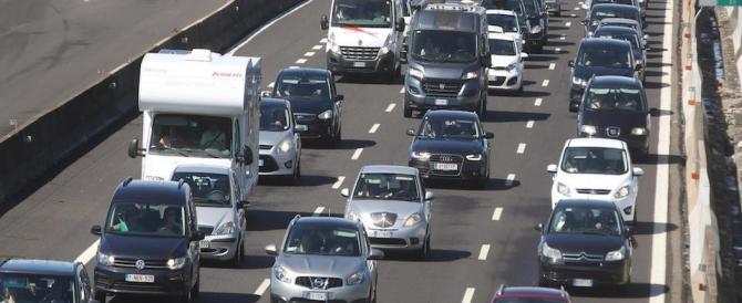 Diventa obbligatorio per le nuove auto il salvavita: ecco come funziona