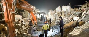 Fiori bianchi per Mariasol e Giulia, tra le più piccole vittime del terremoto