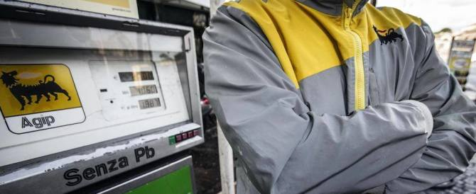 Nuova stangata sui carburanti: per le famiglie una spesa di 263 euro in più