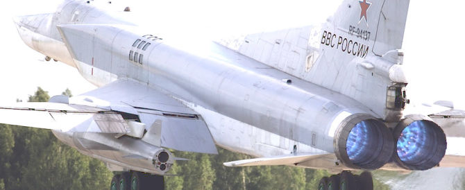 In azione i bombardieri russi: colpiti miliziani e campi di addestramento Isis