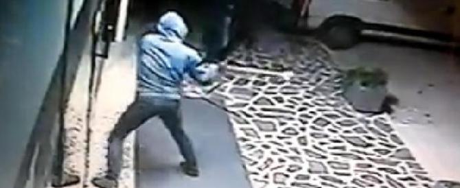 È allarme: nei negozi un furto ogni 5 minuti. 7 su 10 rimangono impuniti