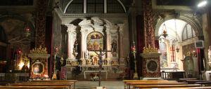 Venezia, islamiche con il velo entrano in chiesa e sputano sul crocifisso