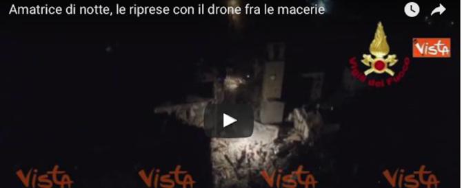 Amatrice di notte, le riprese con il drone tra le macerie al buio (video)