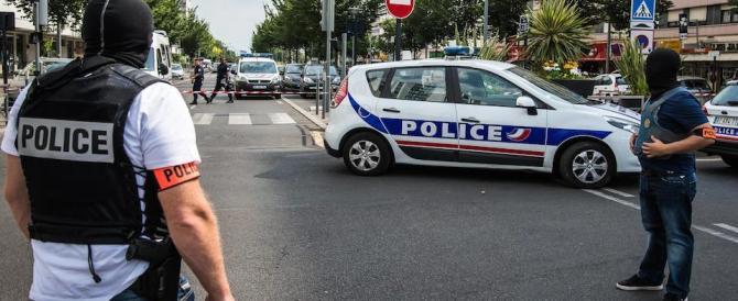 """Francia, accoltellato un ebreo ortodosso al grido di """"Allah Akbar"""""""