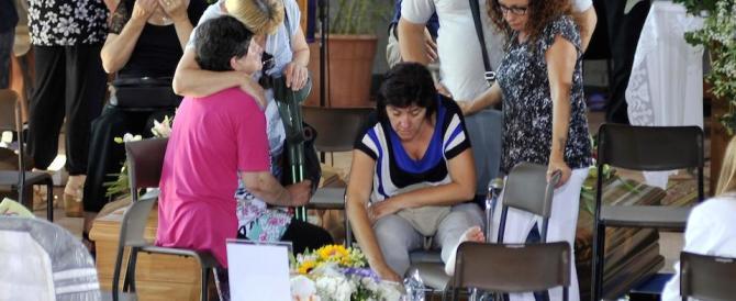 I funerali ad Ascoli. Il vescovo: le nostre campane torneranno a suonare (video)