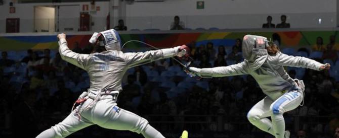 Le Olimpiadi dei cafoni: giudice ucraino mostra il dito medio alle azzurre