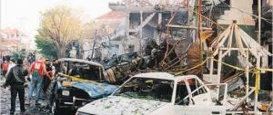 Indonesia, sventato attentato: kamikaze in chiesa bloccato dai fedeli