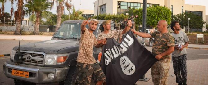 Nella moschea di viale Jenner si reclutavano terroristi dell'Isis