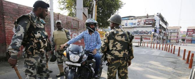 Torna la violenza in Kashmir: Amnesty denunciata dalla polizia per sedizione