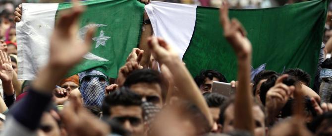 Kashmir a ferro e fuoco: maestro torturato e ucciso dalla polizia indiana