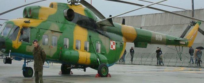 Siria, un elicottero russo abbattuto dai miliziani: portava aiuti ad Aleppo