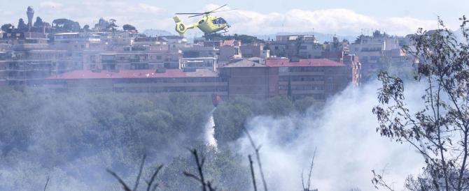 Emergenza incendi a Roma: fiamme a Monte Mario, evacuazioni in corso
