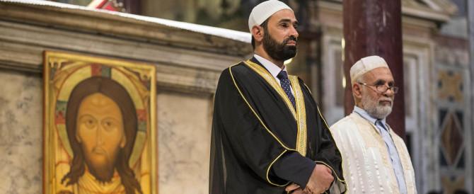 Croce e Corano insieme, 23mila musulmani in chiesa per dire no all'Isis