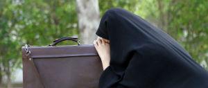 Si finge musulmana in moschea e smaschera gli estremisti islamici