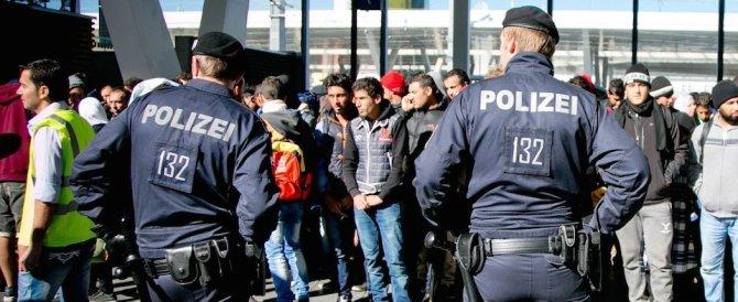 Clandestini, Vienna manda soldati in Ungheria. Londra pattuglia la Manica