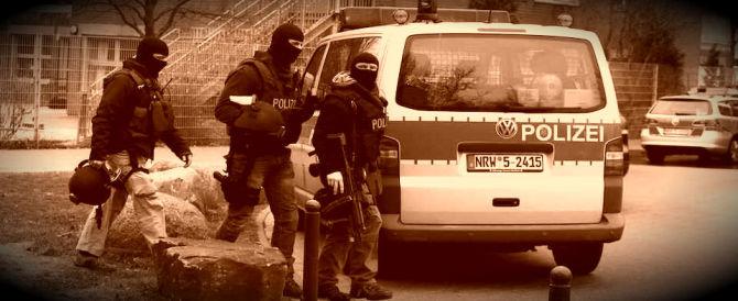 Lotta all'Isis: perquisizioni a raffica contro i predicatori islamici in Germania