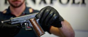 Anziana rapinata con una pistola puntata alla testa: rubati gioielli