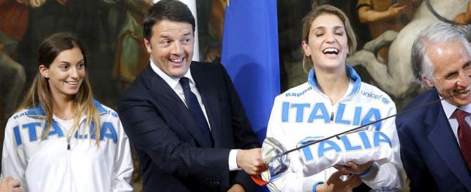 Le tragicomiche Olimpiadi di Renzi tra sms, gaffe e frecciatine degli atleti