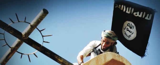 """Dabiq, il magazine dell'Isis, contro il Papa e i cristiani: """"Spezza la croce"""""""