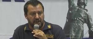 I poliziotti del Sap difendono Salvini: «La Boldrini? Indossi pure lei la divisa»