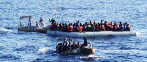 Allarme scabbia, la metà dei migranti giunti a Porto Empedocle ne è affetta